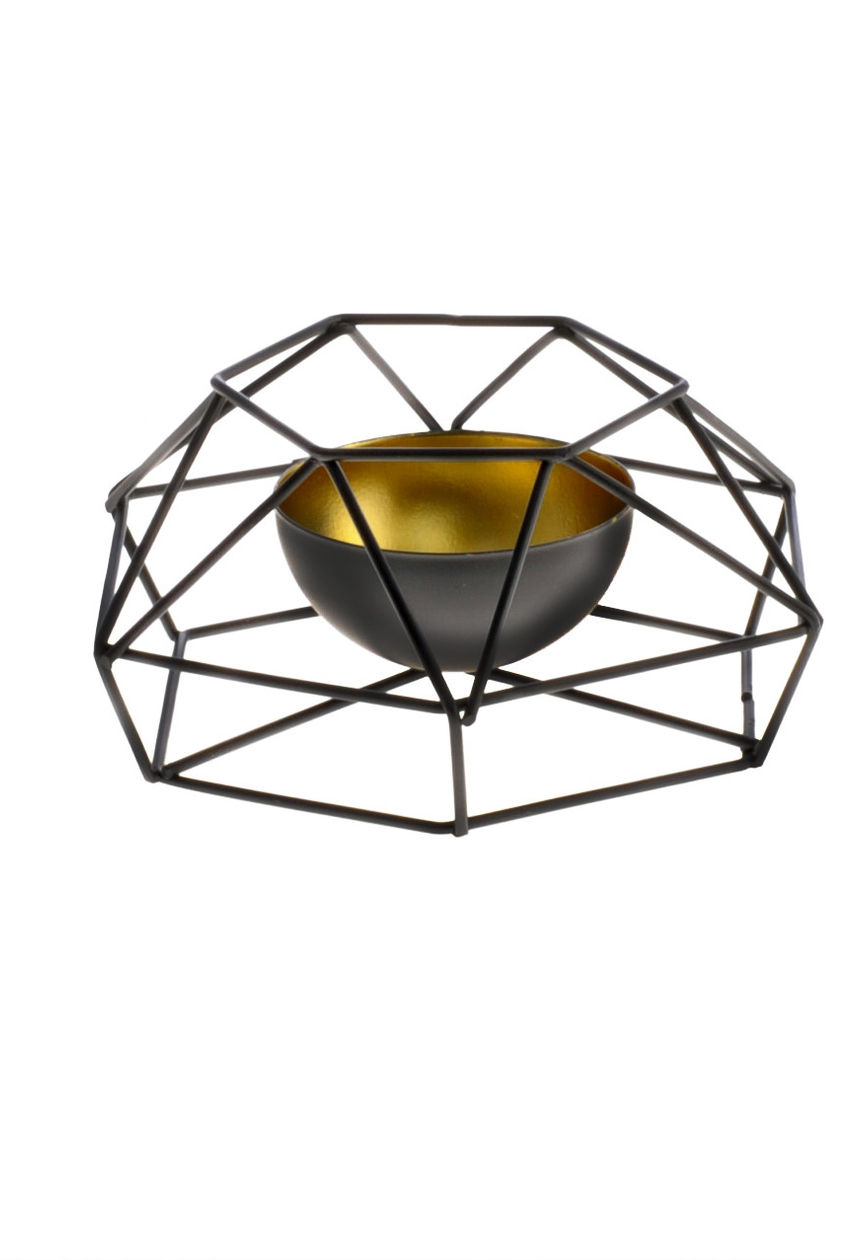 Nowoczesny i stylowy świecznik o geometrycznym kształcie